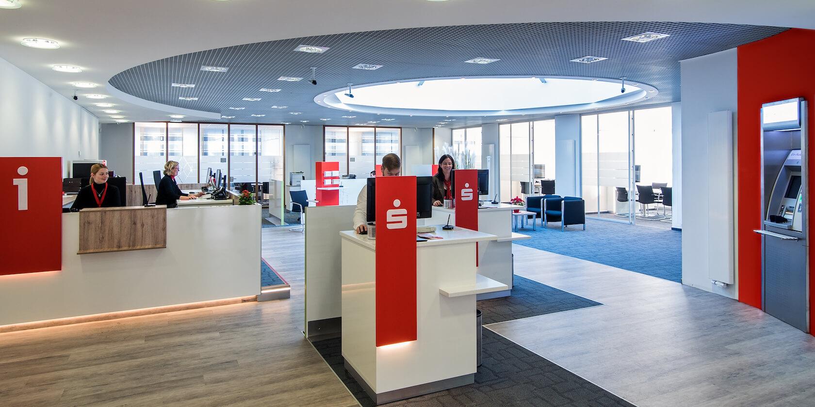 Innenarchitektur Banken - Sparkasse Bad Sachsa Empfang